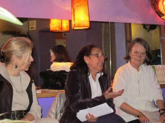 cafe-de-genre-de-f-mariotti-du-9-avril-2013-invitees-2-poetesses-olga-pinilla-burguiere-et-elyane-rejony-5.jpg