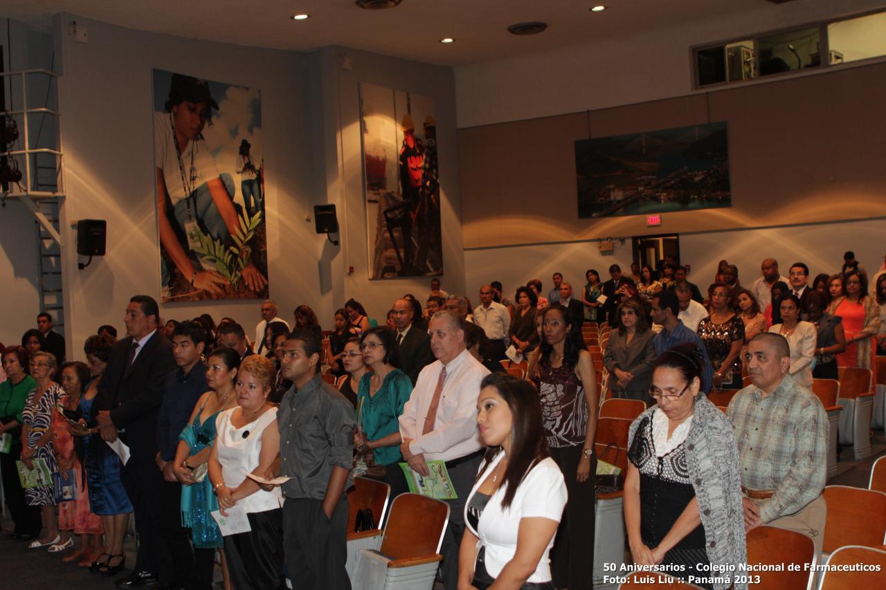 olga-pinilla-50-aniversarios-colegionacional-de-farmaceuticos-foto-luis-liu-2.jpg
