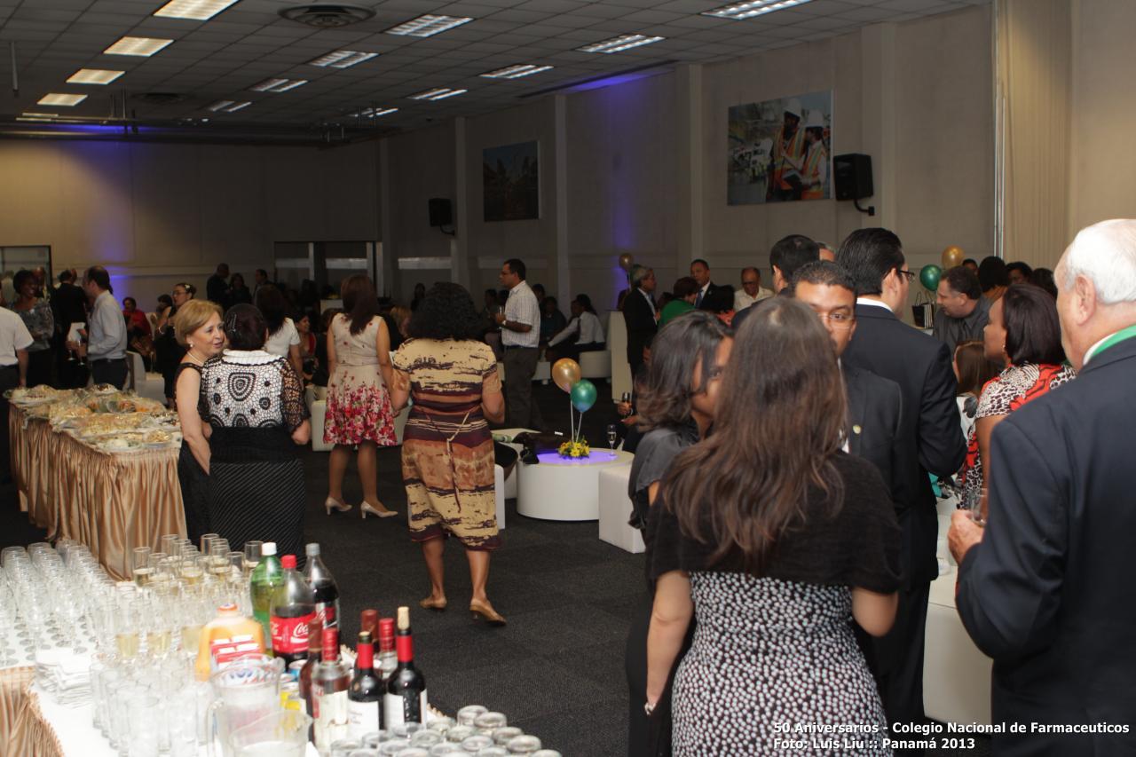 olga-pinilla-50-aniversarios-colegionacional-de-farmaceuticos-foto-luis-liu-9.jpg